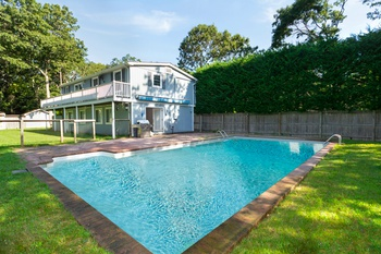 EAST HAMPTON 6 BDRM/4 BTH POOL $849,000